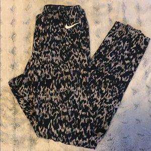 3/$50 😍 Nike leggings
